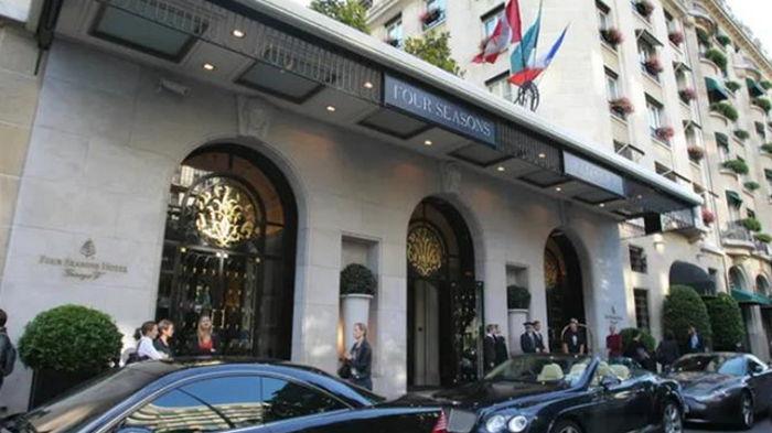 В Париже ограбили самый лучший в мире отель