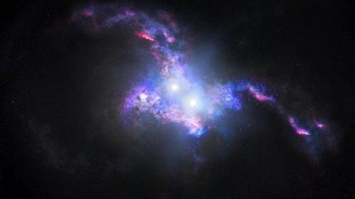 Hubble обнаружил в ранней Вселенной уникальные двойные квазары (видео)