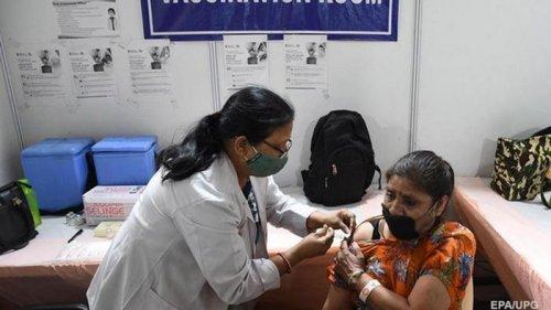 В Индии после COVID-вакцины скончалось 180 человек