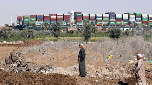 В Египте назвали вероятную причину инцидента с севшим на мель судном
