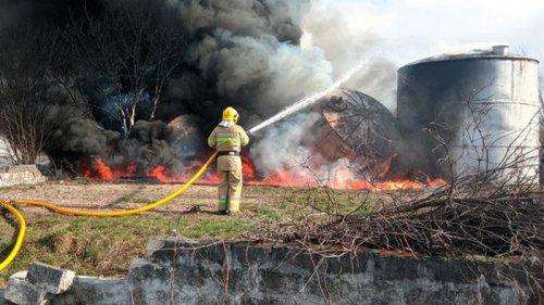 На Буковине горели емкости с мазутом