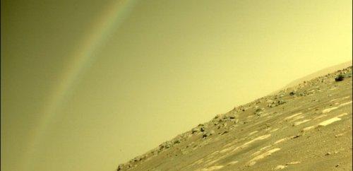 На фото Perseverance с Марса разглядели радугу. В NASA объяснили, что ...