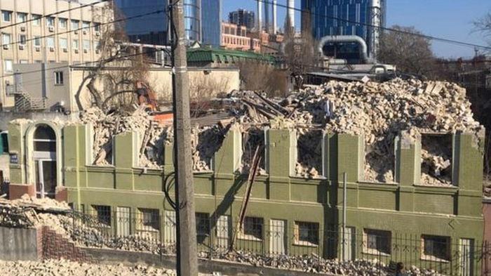 В Киеве снесли историческое здание, прокуратура открыла уголовное дело