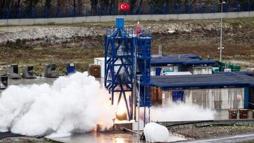 Турция успешно испытала двигатель ракеты для миссии на Луну (видео)