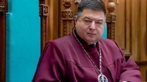 Тупицкий продолжает получать зарплату, несмотря на президентский указ