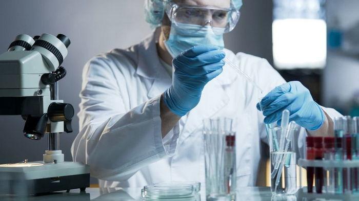 Ученые обнаружили неуязвимый для антител штамм коронавируса