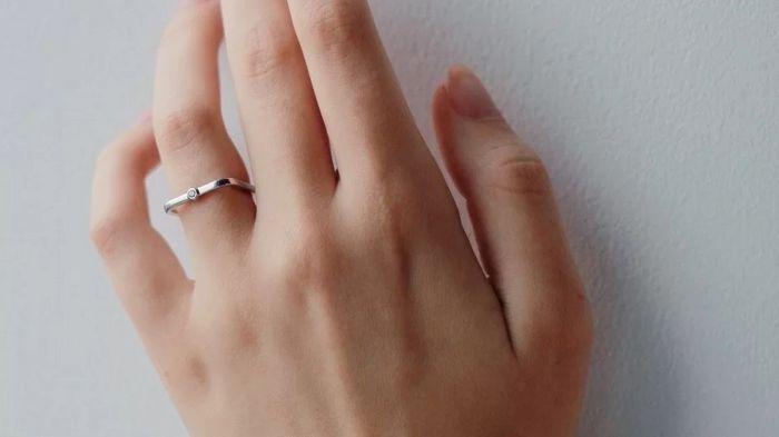 Ювелирные кольца: кому можно подарить и по какому поводу?