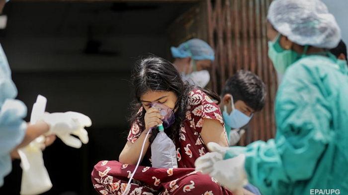 ЕС поможет Индии из-за вспышки пандемии