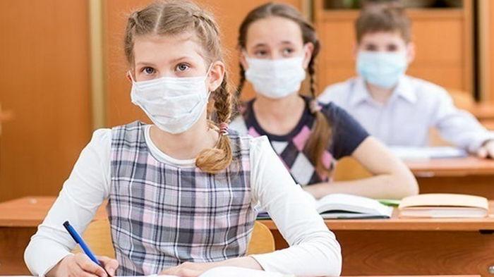 Школьников освободили от итоговой аттестации в 2021 году