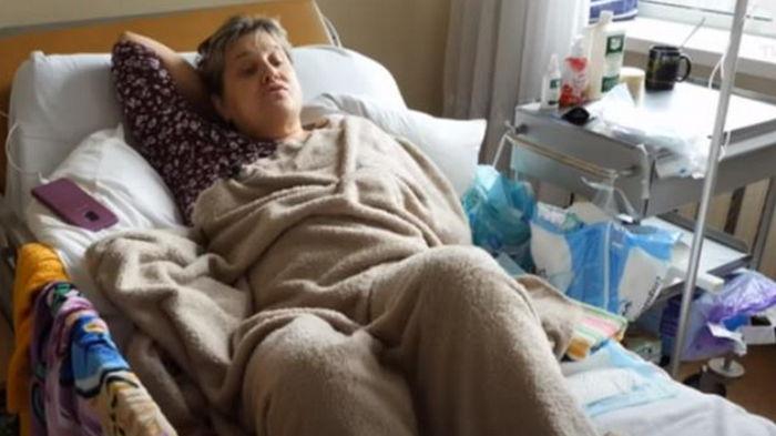 Киевлянку парализовало после прививки против коронавируса (видео)