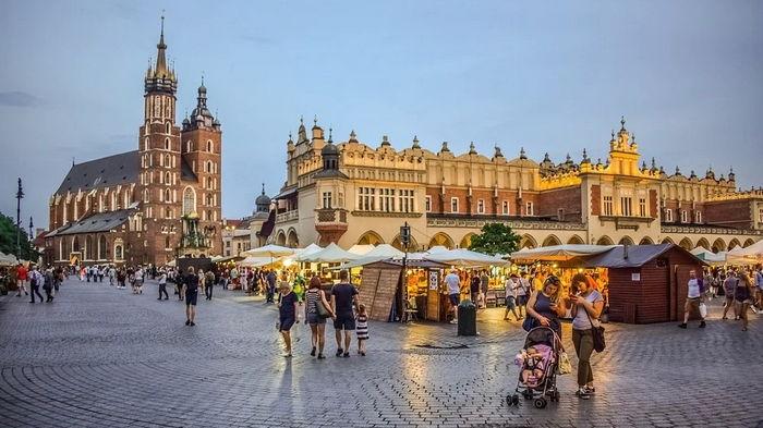 Трудоустройство за рубежом: легальная работа в Кракове