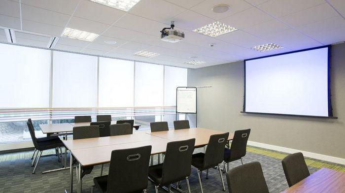 Как грамотно оформить конференц-зал?