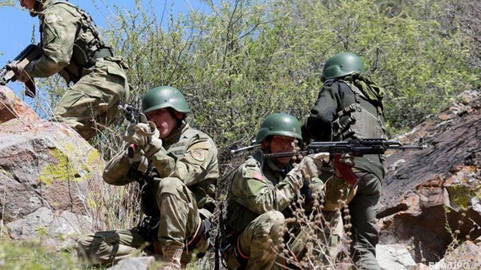 Кыргызстан и Таджикистан отвели силы от границы