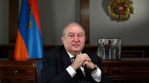 Президента Армении могут судить за двойное гражданство