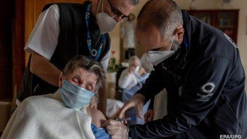В Испании от коронавируса полностью привили почти 5 млн человек