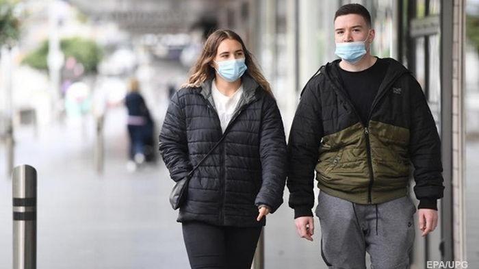 Полякам разрешили не носить маски на улице