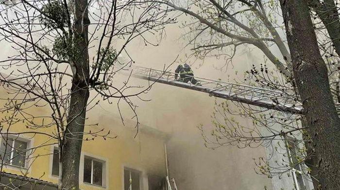 На пожаре в Виннице погибла молодая девушка (видео)