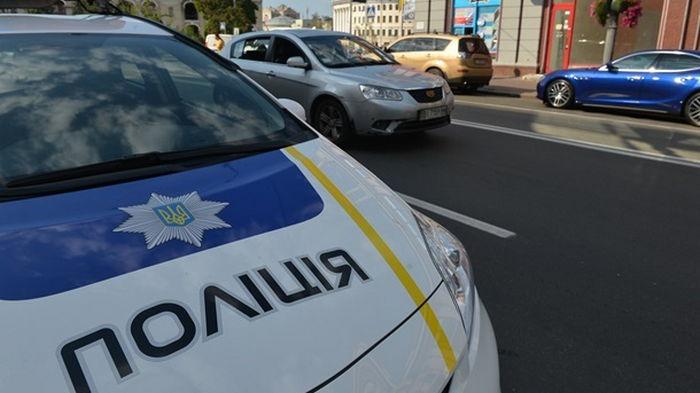 В Киеве задержали полицейского, укравшего сумку с места ДТП (видео)