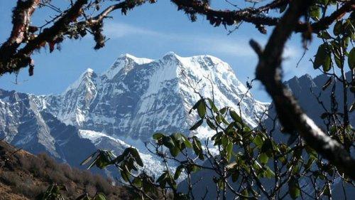 Украинцев эвакуировали с горной вершины в Гималаях