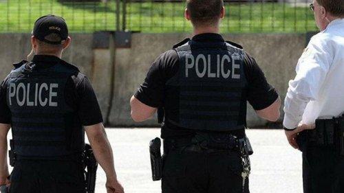 В США двухлетний мальчик выстрелил в родителей из пистолета