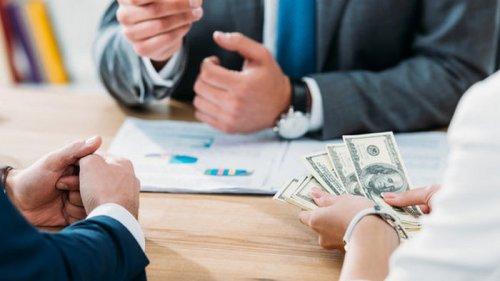 В США акционеры недовольны высокими премиями топ-менеджеров. Это плохой сигнал – FT
