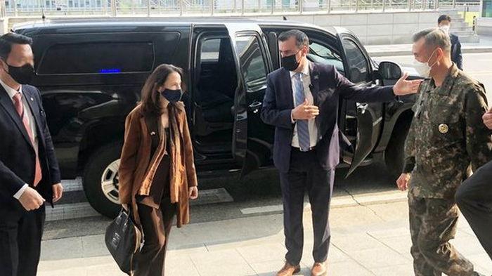 Глава разведсообщества США побывала на границе КНДР