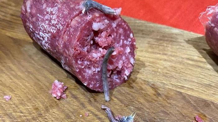 В Житомире продавали колбасу с частями крысы