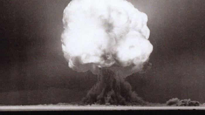 Геофизики показали квазикристалл, образованный при взрыве атомной бомбы Trinity