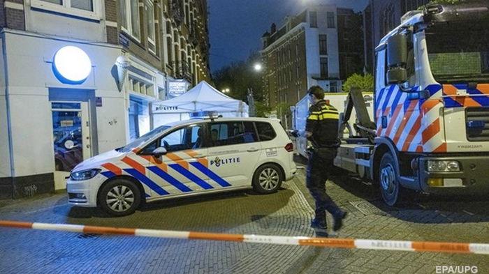 В Амстердаме мужчина с ножом напал на прохожих, есть жертвы