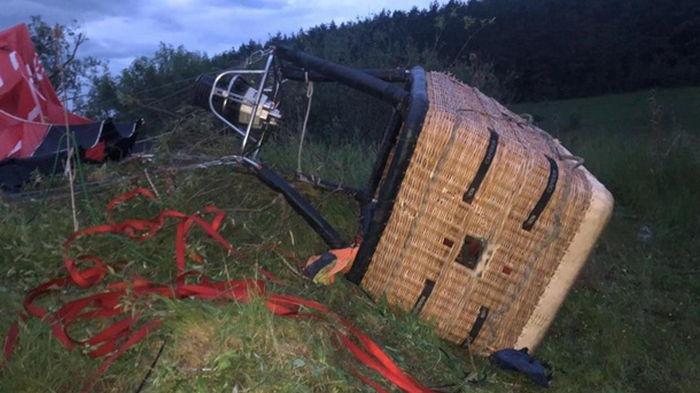 Падение воздушного шара на Хмельнитчине: в полиции рассказали подробности