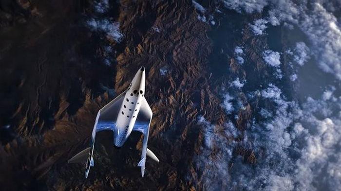 Космоплан компании Virgin Galactic совершил успешный суборбитальный полет (видео)