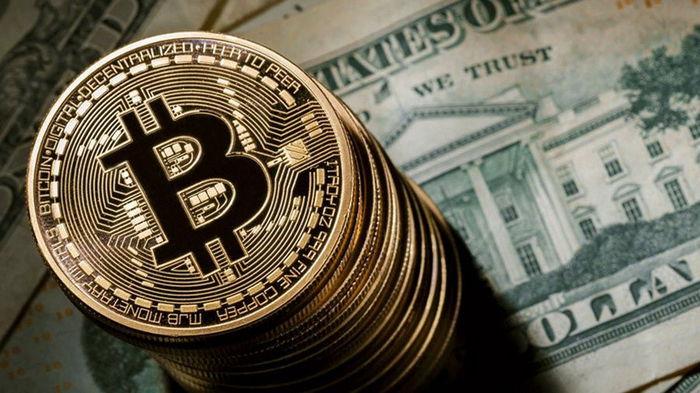 После падения биткоина инвесторы снова начали скупать золото