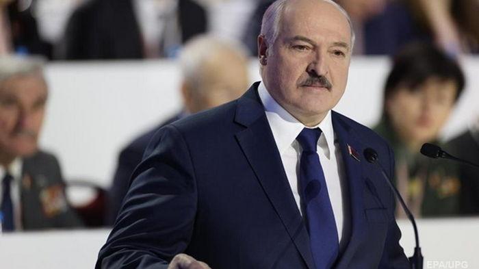 Лукашенко обещает демократичный референдум по Конституции