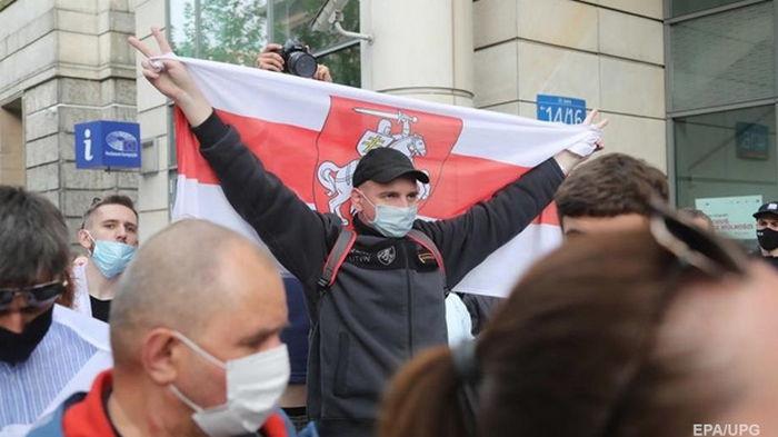 Украинцев призвали воздержаться от поездок в Беларусь