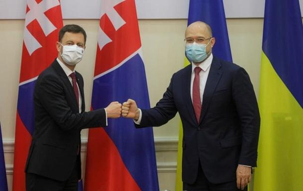 Словакия выделила Украине 600 тысяч евро на COVID-вакцины