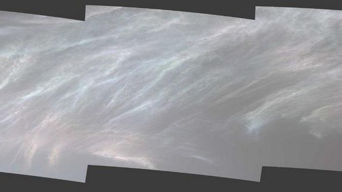 Ровер NASA Curiosity снял сияющие облака на Марсе