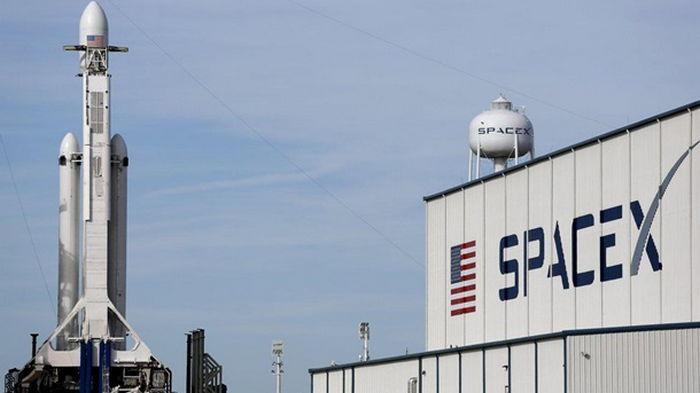 SpaceX сто раз подряд успешно запустила Falcon 9