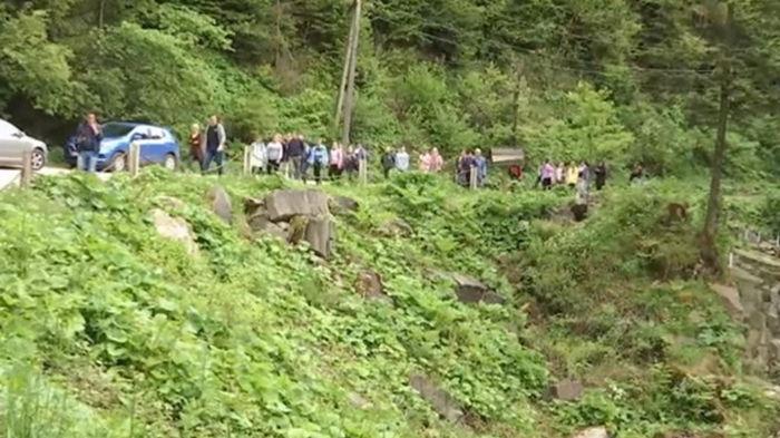 Смерть ребенка на водопаде: школы массово отменяют экскурсии