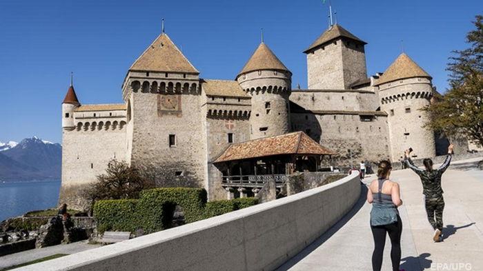 В Швейцарии впервые с октября ни одной смерти от коронавируса