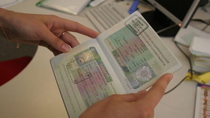 В Евросоюзе усложняют правила получения шенгенских виз