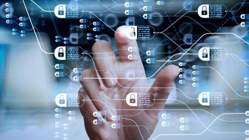Евросоюзу советуют вкладывать в искусственный интеллект и блокчейн по 10 млрд евро в год