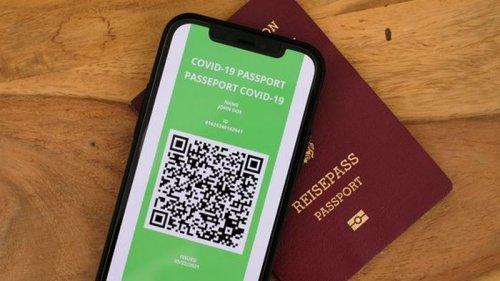 Три страны уже согласились признать COVID-паспорта Украины – Шмыгаль