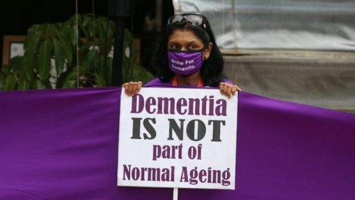 В США одобрили первый за 20 лет новый препарат от болезни Альцгеймера