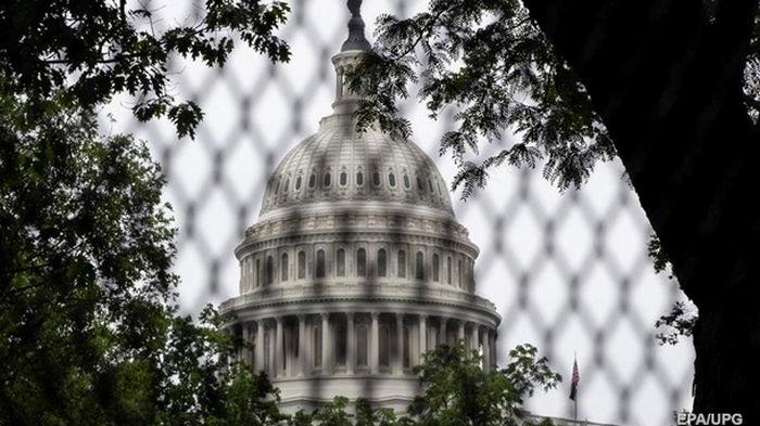 К беспорядкам в Капитолии привели ошибки властей – Сенат США