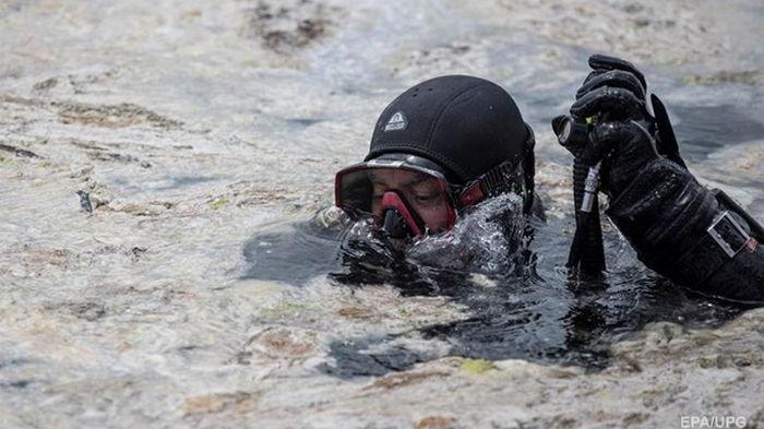 Мраморное море начали очищать от слизи (фото)
