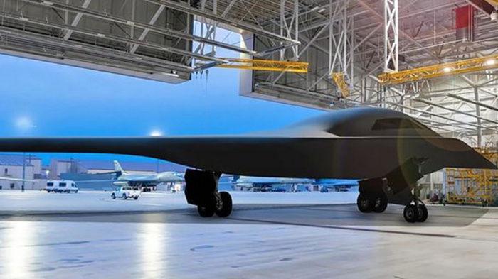 Оружие будущего: США построили два первых бомбардировщика нового поколения