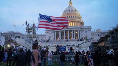 В США арестованы около 500 участников штурма Капитолия