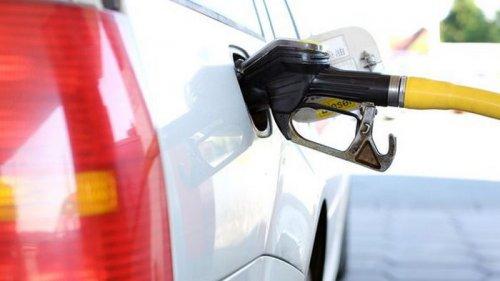 Сети АЗС эконом-сегмента подняли цены на топливо