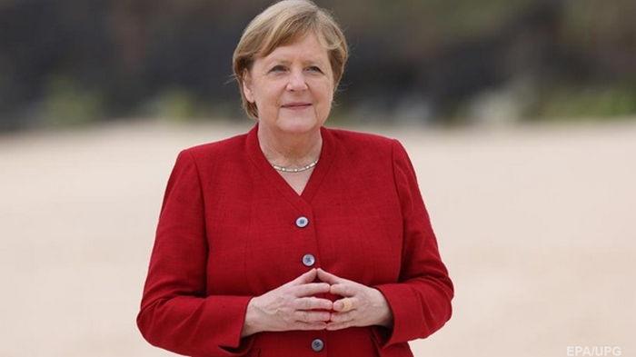 Страны G7 выделят 2,3 млрд доз вакцин – Меркель