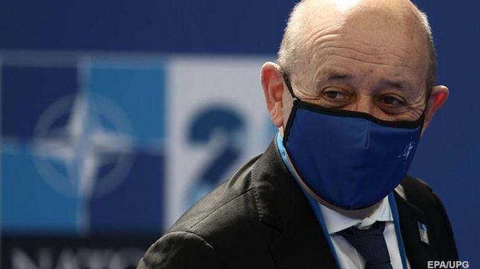 Условия для приема Украины в НАТО не сложились – глава МИД Франции